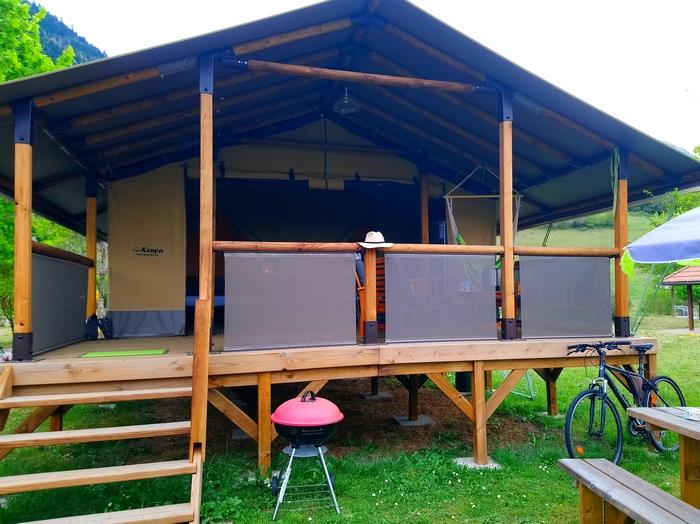 Le Lodge Altitude : la location toile et bois très nature